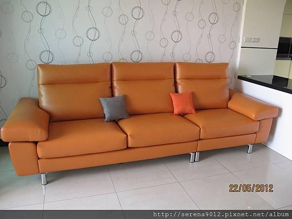 18_客廳沙發+壁紙