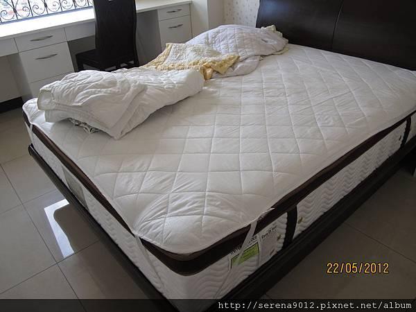25_主臥床墊