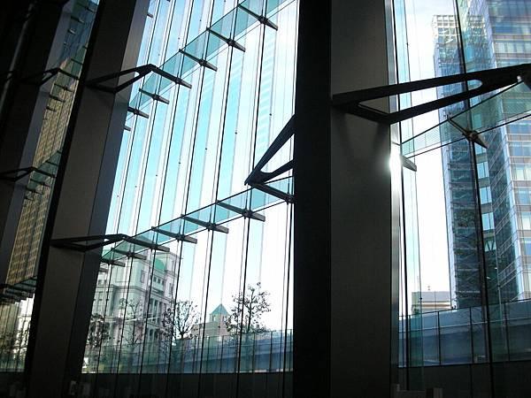 電梯看上去的風景