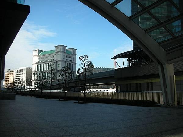 百合海鷗號汐留站外風景