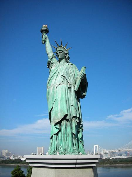 台場自由女神像……總覺得她不該出現在這裡……