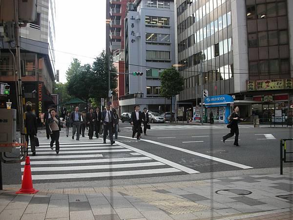 街頭的上班族