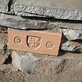 路旁的小石磚也有設計過喔