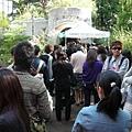 週一上午十點也這麼多人要入館,大部分是日本人喔