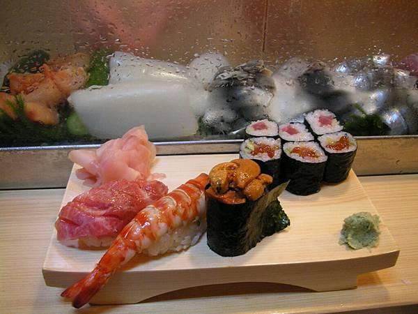 今日早餐:好吃又昂貴的生魚片壽司