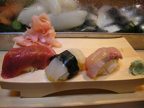 今日早餐:好吃又昂貴的生魚片壽司2