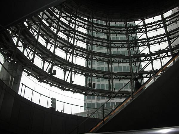 從通天塔裡看出去的另一個角度