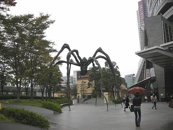 意外發現六本木地標:大蜘蛛