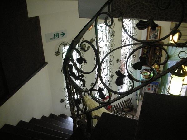 閒情驛站樓梯間