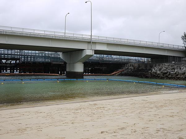 波之上海灘,醜得沒話說
