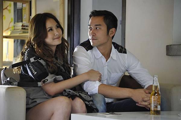 《被偷走的那五年》_圖說02_劇照_安心亞飾演甜美可愛的現任女友__果