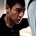 《同窗生》男主角T.O.P劇中敏捷的動作戲