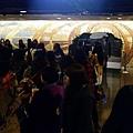 照片_《同窗生》粉絲排隊與T.O.P共撐愛的小傘
