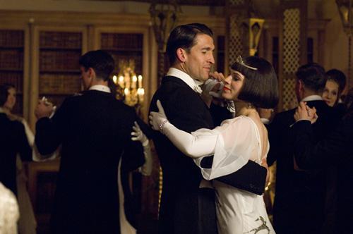 BHR_舞會中翩然起舞的查爾斯與茱莉亞.jpg