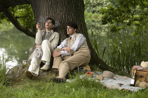BHR_查爾斯與賽巴斯汀在樹下乘涼.jpg