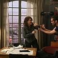 Paris-劇照07_艾莉絲(茱麗葉畢諾許)與皮耶(羅曼杜李斯)飾演姐弟