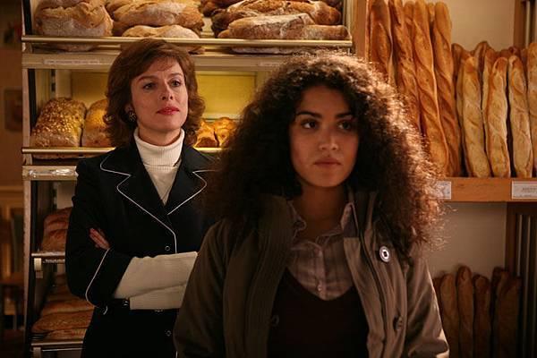 Paris-劇照10_麵包店老闆娘與打工女孩