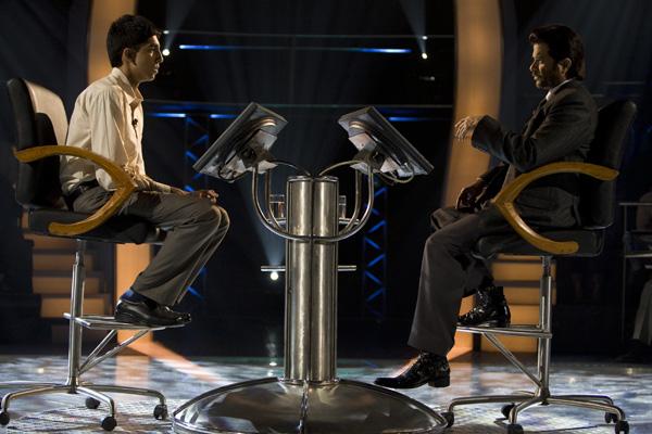劇照08-益智節目中傑默與主持人沉穩應對