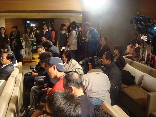 0303送百萬記者會-07.JPG
