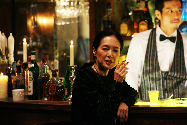 桃井薰飾演退休的芭蕾老師