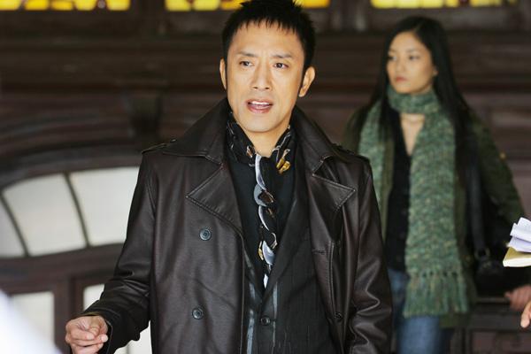 筧利夫飾演昴的舞蹈老師天野
