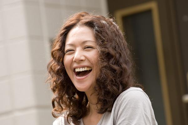 角色介紹-小泉今日子飾漫畫家麻子