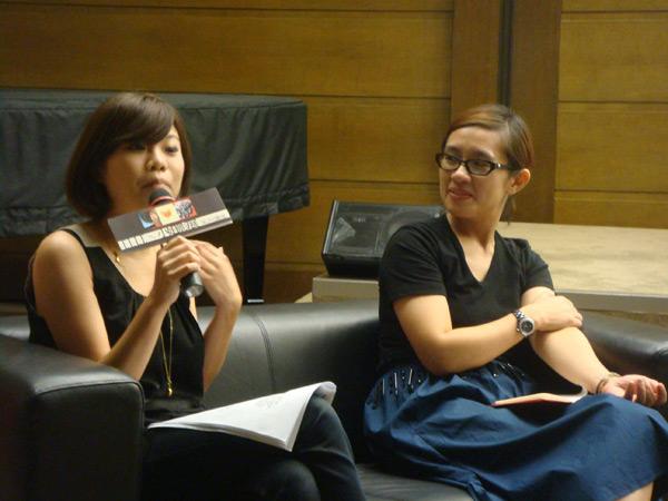 09.06第一場講座-ELLE美容編輯楊書舒涵(左) 分享美容保養心得