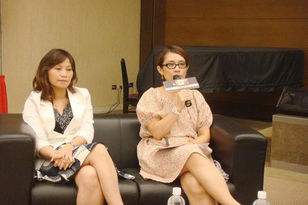09.12第二場講座- ELLE總編輯 盧淑芬(左)與現場聽眾分享自身的相親經驗