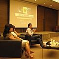 09.12第三場講座-「現代女性生活積累的創傷與壓力現形」邀請到嘉賓吳佳璇醫師(最左側)