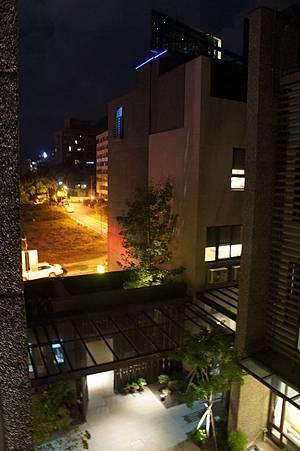夜景蠻美的