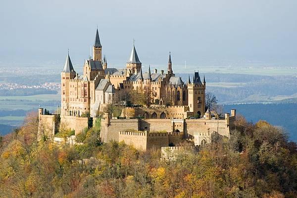 Burg_Hohenzollern_ak.jpg