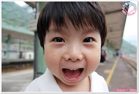 孩子天真的笑容
