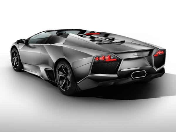 2010-Lamborghini-Reventon-Roadster-Rear-Angle-2-1920x1440.jpg