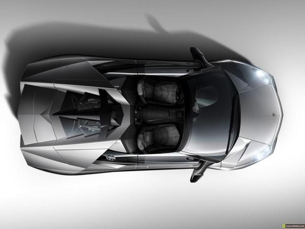 2010-Lamborghini-Reventon-Roadster-08.jpg