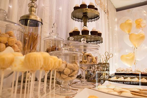 白金色甜點桌 candy bar
