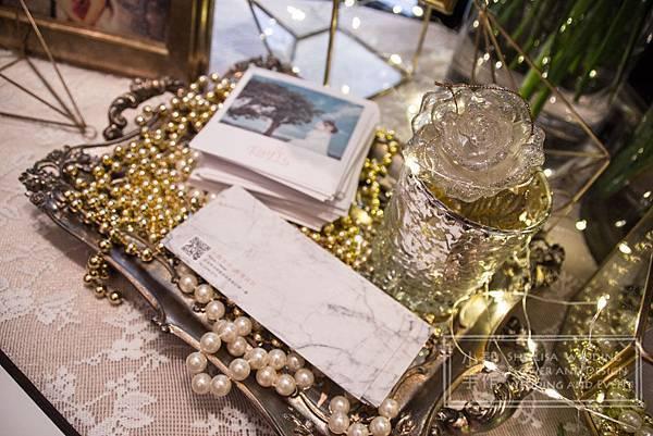 世貿三三婚禮佈置 相本謝卡桌佈置