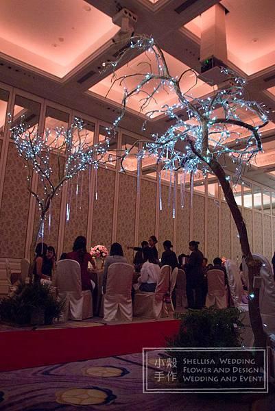 文華東方酒店紅毯入口花樹佈置