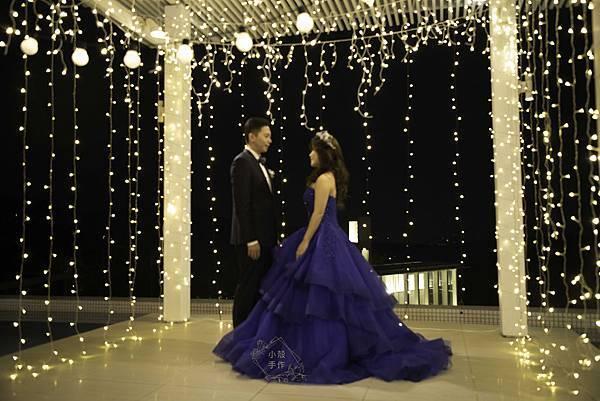 戶外燈泡牆婚禮
