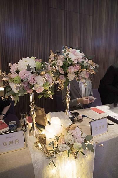 粉金色婚禮佈置 w hotel