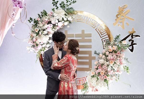 中國風婚禮佈置頂花懸浮花藝設計