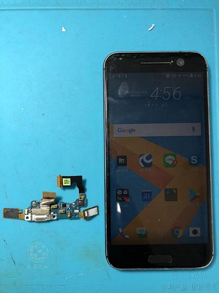 HTC 10充電孔燒毀