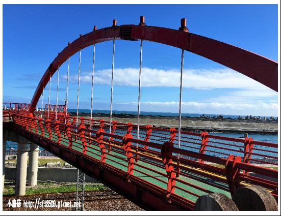 105.12.04.(10)花蓮港景觀橋.JPG
