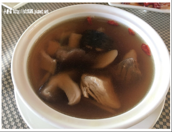 106.2.4.(49)峇里森林‧鱘龍魚套餐.JPG