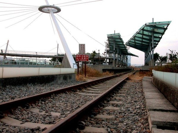 走在鐵軌上