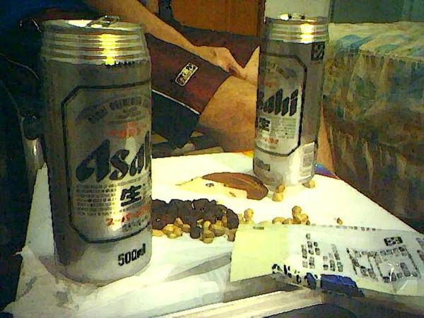 他們喝Asahi  我喝沙士