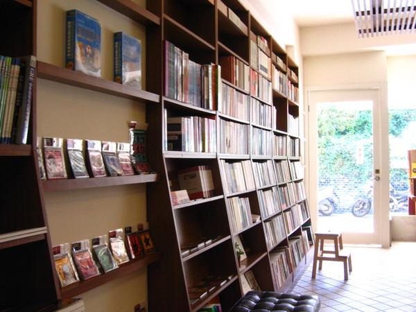 台南結構群書店0004
