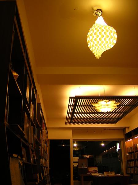 台南結構群書店0011
