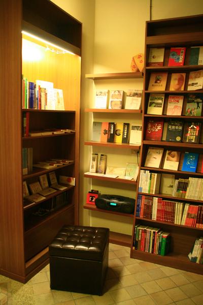 台南結構群書店0014