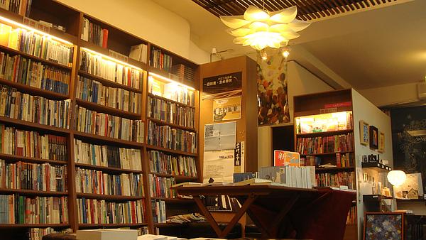 台南結構群書店0016