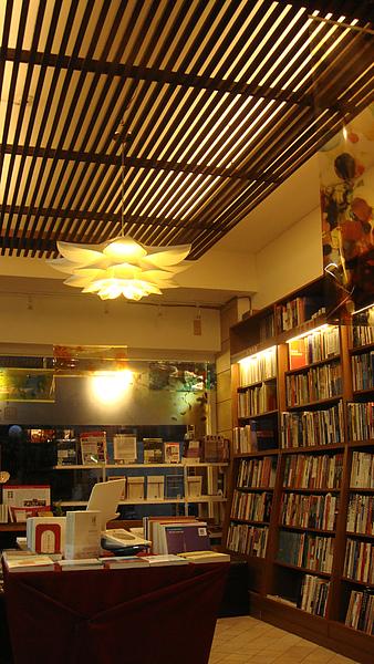 台南結構群書店0025